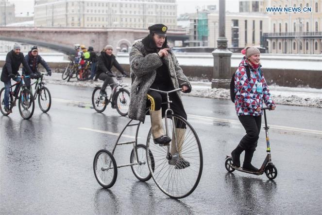 Un rus pe triciclu